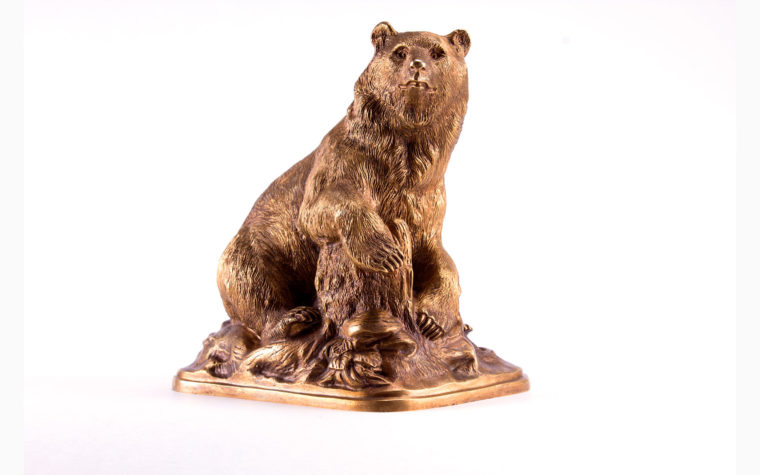 Bronze sculpture Bear on the stump