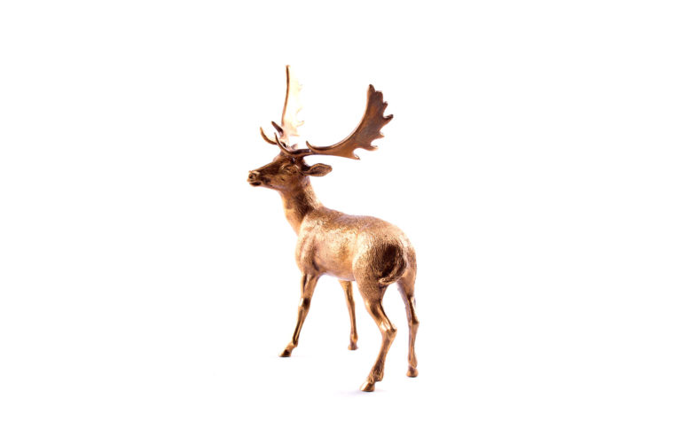 Bronze statuette Fallow deer