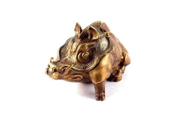 Bronze casket Boar