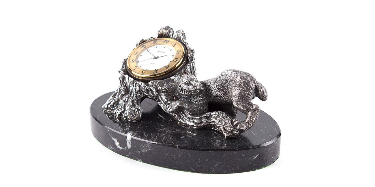 Bronzové hodiny